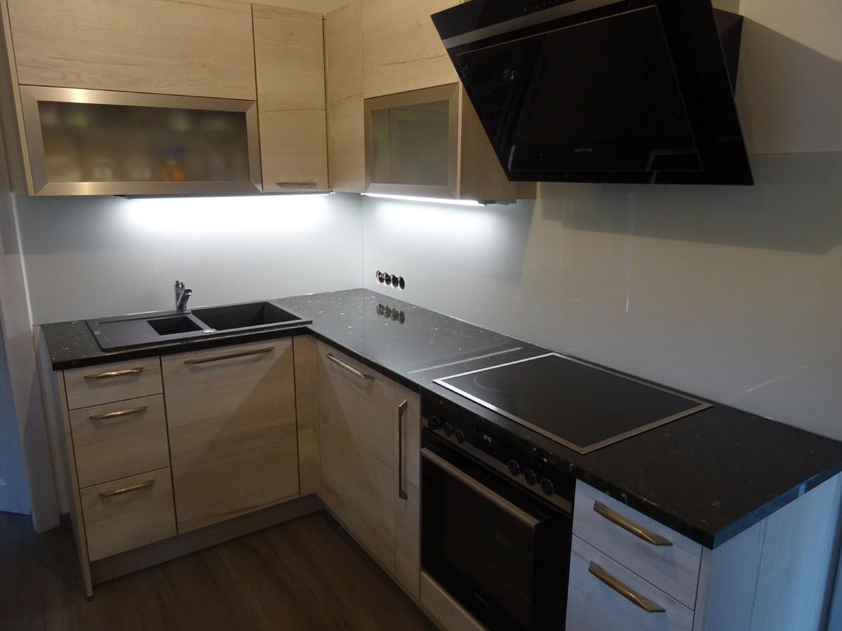 lackierte Küchenrückwand