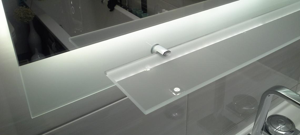 spiegelart badspiegel glasduschen glasschiebet ren. Black Bedroom Furniture Sets. Home Design Ideas