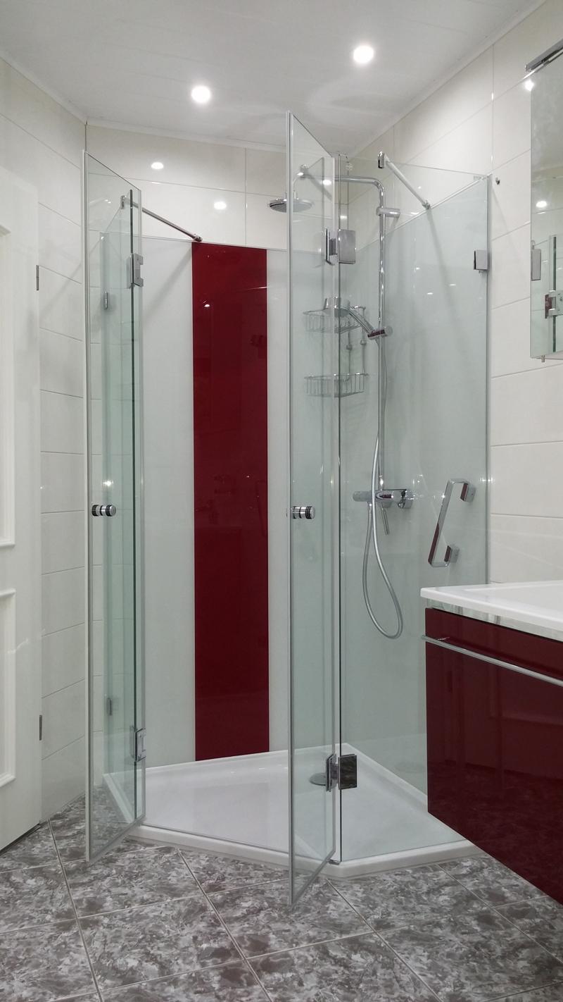 glasr ckwand im duschbereich glasr ckwand inkl beschichtung. Black Bedroom Furniture Sets. Home Design Ideas
