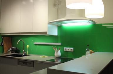 Küchenglasrückwand lackiert