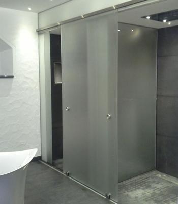 Glastürsystem für Dusche