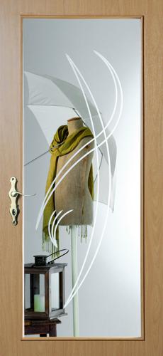 Glastür mit großen Rillenschliff