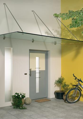 Eingang mit Glasdach