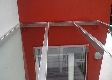 Vorrichtung für Glasvordach
