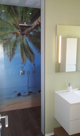 Duschrückwand Palme aus Glas